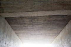 Abstrakt begrepp: Ljus på slutet av tunnelen Arkivbild