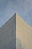 Abstrakt begrepp metar av kontorsbyggnad Arkivfoto