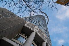 Abstrakt begrepp nedanför det perspektivWestend tornet Frankfurt Royaltyfri Fotografi