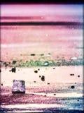 Abstrakt begrepp Skinande rynkad bruten is för yttersida, nya iskalla stycken på plan frostis Royaltyfri Foto
