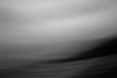 Abstrakt begrepp som är svartvitt av vågor Royaltyfri Foto