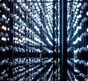 Abstrakt begrepppunkter av ljus, abstrakt teknologibakgrund för fantasi, tänder kulöra bollar i ett utrymme som olikt tänds, den  Royaltyfria Bilder