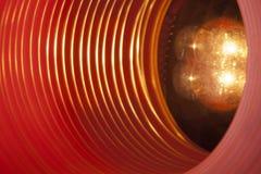 Abstrakt begreppsmässig bakgrund med den futuristiska tekniskt avancerade maskhåltunnelen Arkivbild