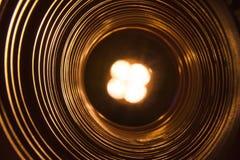 Abstrakt begreppsmässig bakgrund med den futuristiska tekniskt avancerade maskhåltunnelen Royaltyfri Foto