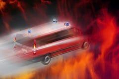 Abstrakt bild av enflyttning brand, en brandmotor Royaltyfri Fotografi