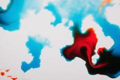 Abstrakt bild av färgrika färgstänk på vit Royaltyfria Bilder