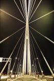 Abstrakt bild - ljus för natt för upphängningbro Fotografering för Bildbyråer