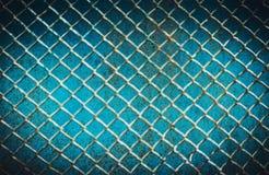 Abstrakt blå bakgrund av sprucken målarfärg på rastret Rasfokus Royaltyfria Foton