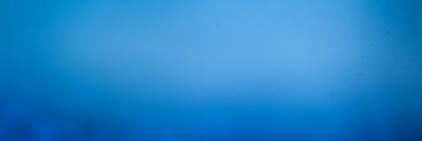 Abstrakt blå bakgrund, kopieringsutrymme, affisch för din design royaltyfri foto