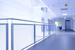 abstrakt blå korridor Arkivbilder