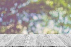 Abstrakt bokehnatur med den wood terrassen Royaltyfria Foton