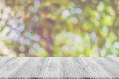 Abstrakt bokehnatur med den wood terrassen Royaltyfri Foto
