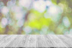 Abstrakt bokehnatur med den wood terrassen Royaltyfri Fotografi
