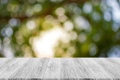 Abstrakt bokehnatur med den wood terrassen Royaltyfri Bild