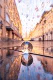 abstrakt bollexponeringsglas för bakgrund 3d Reflexion Nikolskaya gata Royaltyfri Fotografi