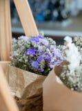 Abstrakt bukett av torkade blommor, suddighetsfokus Royaltyfri Fotografi