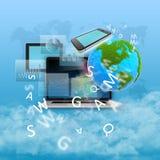 Abstrakt collage med datorer, den gröna planeten och fotografering för bildbyråer