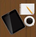 Abstrakt designtablet, kaffe, blyertspenna, blank sida Arkivbild
