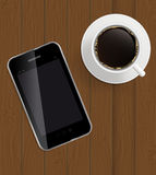 Abstrakt designtelefon, kaffe på brädebakgrund Fotografering för Bildbyråer