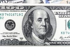 Abstrakt detalj av den gamla designen U S billdollar hundra en Arkivfoto