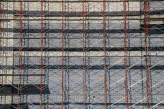 Abstrakt detalj av materialet till byggnadsställning på byggnadsrenovering, Ft Värde TX royaltyfria bilder