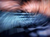 Abstrakt effekt för rörelsesuddighet Ljusen av gatorna raindrops Royaltyfri Bild