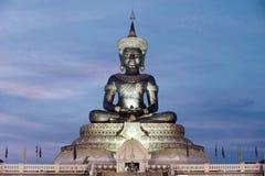 Abstrakt färg av stora utomhus- Phra Phuttha Maha Thammaracha Buddha Royaltyfria Foton