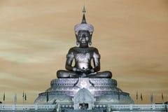 Abstrakt färg av stora utomhus- Phra Phuttha Maha Thammaracha Buddha Royaltyfria Bilder