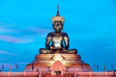 Abstrakt färg av stora utomhus- Phra Phuttha Maha Thammaracha Buddha Arkivfoton