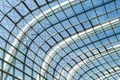 Abstrakt fasad för exponeringsglas för stålstruktur Royaltyfria Bilder