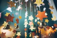 Abstrakt festlig bakgrund, dekorativ garnering, från staen Royaltyfri Foto