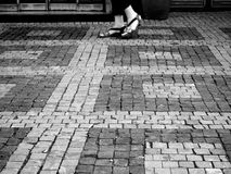 Abstrakt folk som går i staden Arkivfoto