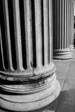 abstrakt gammal kolonn i landet av Europa Italien och marmor royaltyfri bild