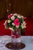Abstrakt garnering med blommor Arkivbild
