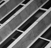 Abstrakt grå byggnad Royaltyfri Bild