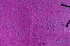 Abstrakt grungetexturbakgrund med lilafärg Åldrig målarfärg på för metallyttersida för gammal buse den smutsiga närbilden, utrymm Royaltyfria Bilder