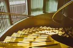 Abstrakt gul trappa Arkivbild