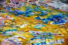 Abstrakt guld- bakgrund, vaxartad abstrakt bakgrund, livlig bakgrund för vattenfärg, textur Arkivbild