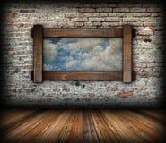 Abstrakt himmelsikt till och med fönster Fotografering för Bildbyråer