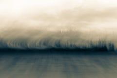 Abstrakt jeziorna i lasowa linia brzegowa fotografia royalty free