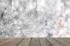 Abstrakt julbakgrund med defocused ljus för vit bokeh Royaltyfria Bilder