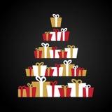 Abstrakt julträd som göras från gåvaaskar , gåvor, extra ferie för kortformat Röd, guld- och vit illustration Fotografering för Bildbyråer