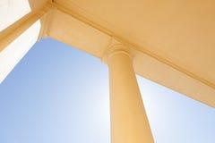 Abstrakt kolonn utomhus Royaltyfria Foton