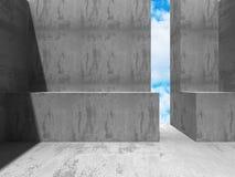 Abstrakt konkret arkitektur på himmelbakgrund Arkivfoton