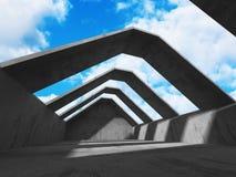Abstrakt konkret arkitektur på himmelbakgrund Royaltyfria Bilder