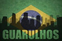 Abstrakt kontur av staden med text Guarulhos på den brasilianska flaggan för tappning Royaltyfria Bilder