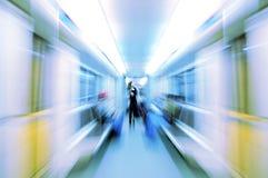 abstrakt kvinna för blurmetrovagn Royaltyfria Foton
