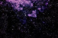 Abstrakt mörk purpurfärgad bakgrund med vita fläckar, intelligens för djupt utrymme Royaltyfri Foto