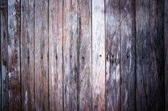 Abstrakt mörker av gammalt trä Arkivbilder
