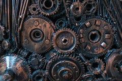 abstrakt metall f?r bakgrund vid mekaniska sp?rrhjulbultar och muttrar royaltyfria foton